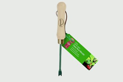 Picture of Ambassador Carbon Steel Deep Root Weeder
