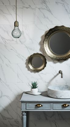 Picture of Johnson Carrara White Marble Wall Tile 600 x 300 x 10mm 0.9m2